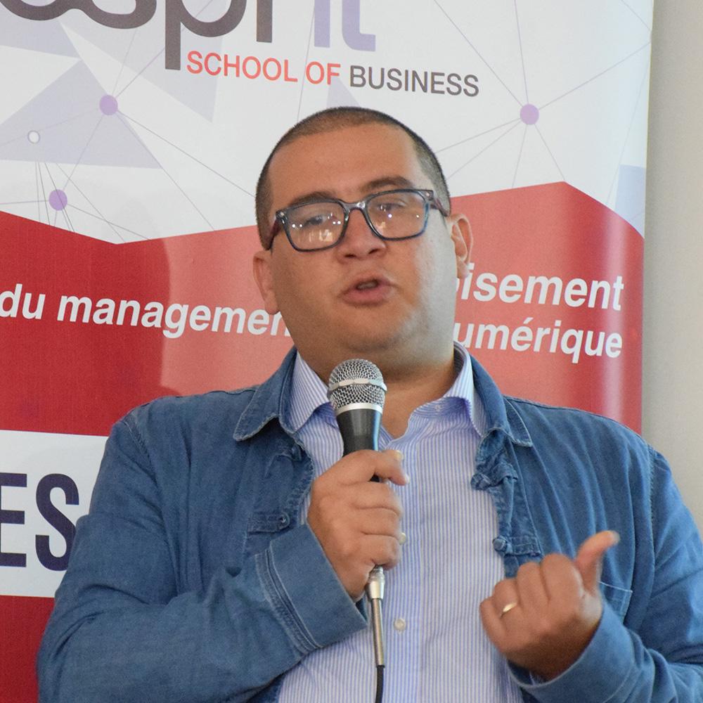 Conférence de M. Zakaria Belkhoja